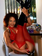 May be Halle Berry has an Oscar - her nude photos are still great!