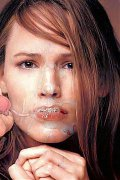 Jennifer Garner loves to show her hot nake dbody before she gets another one facial...