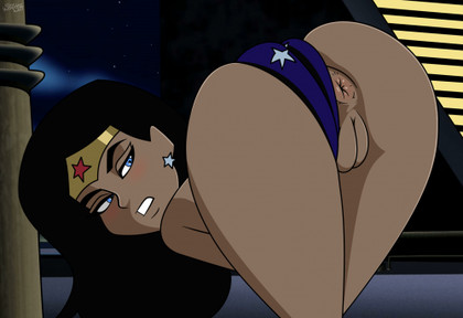 Wonder woman showung her ass into camera - this super slut knows that even her enemies want to fuck it!