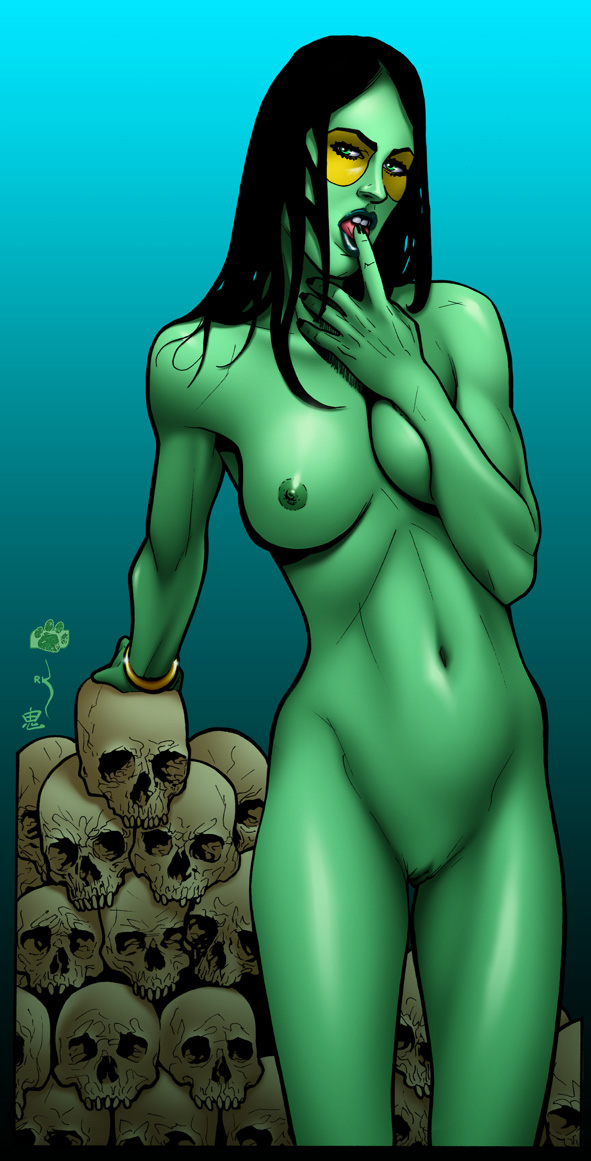 She-Hulk shows her muscle tits and shaved cunt
