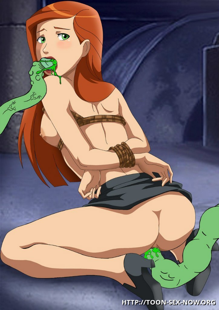Gwen with her hands tied behind her back gets fucked by two green tentacles!