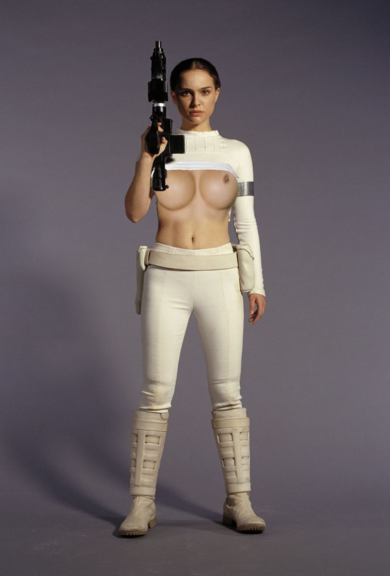 Guns and naked titties - Padme's arsenal for winning any negotiations!