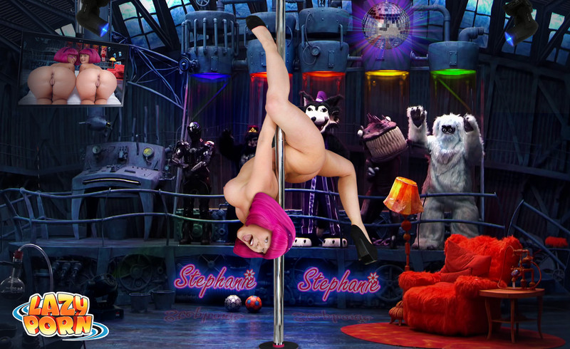 Killer Stephanie enjoy pole dance
