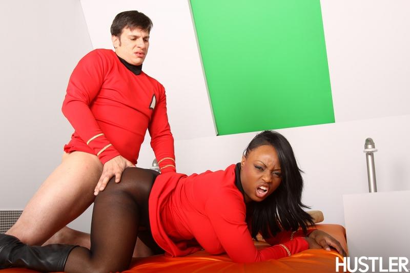 798536 - Montgomery_Scott Nyota_Uhura Star_Trek cosplay.jpg