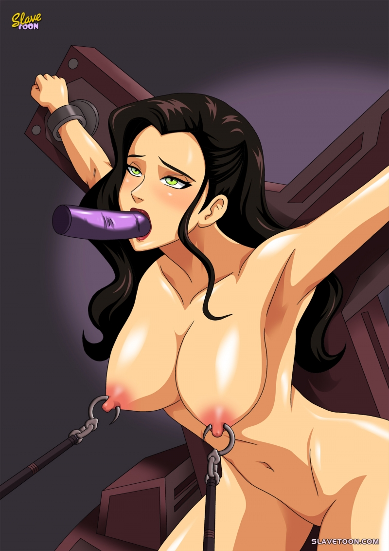 Asami Sato looks trendy even being plaything for supremacy & subordination fans!