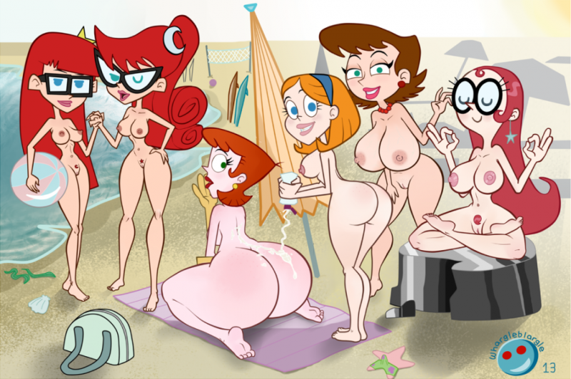 Marie Test with her burty Girlfriends calming on bare beach
