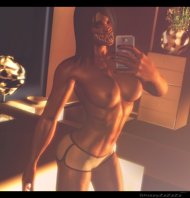 Nude-chested selfie from Mileena is red-supah-hot... kinda
