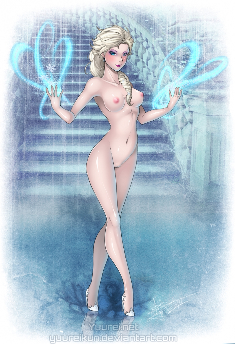 Nude Elsa shows her perfect body