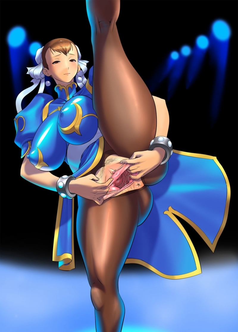 Enormous-titted Chun-Li opened up broad her flexy labia