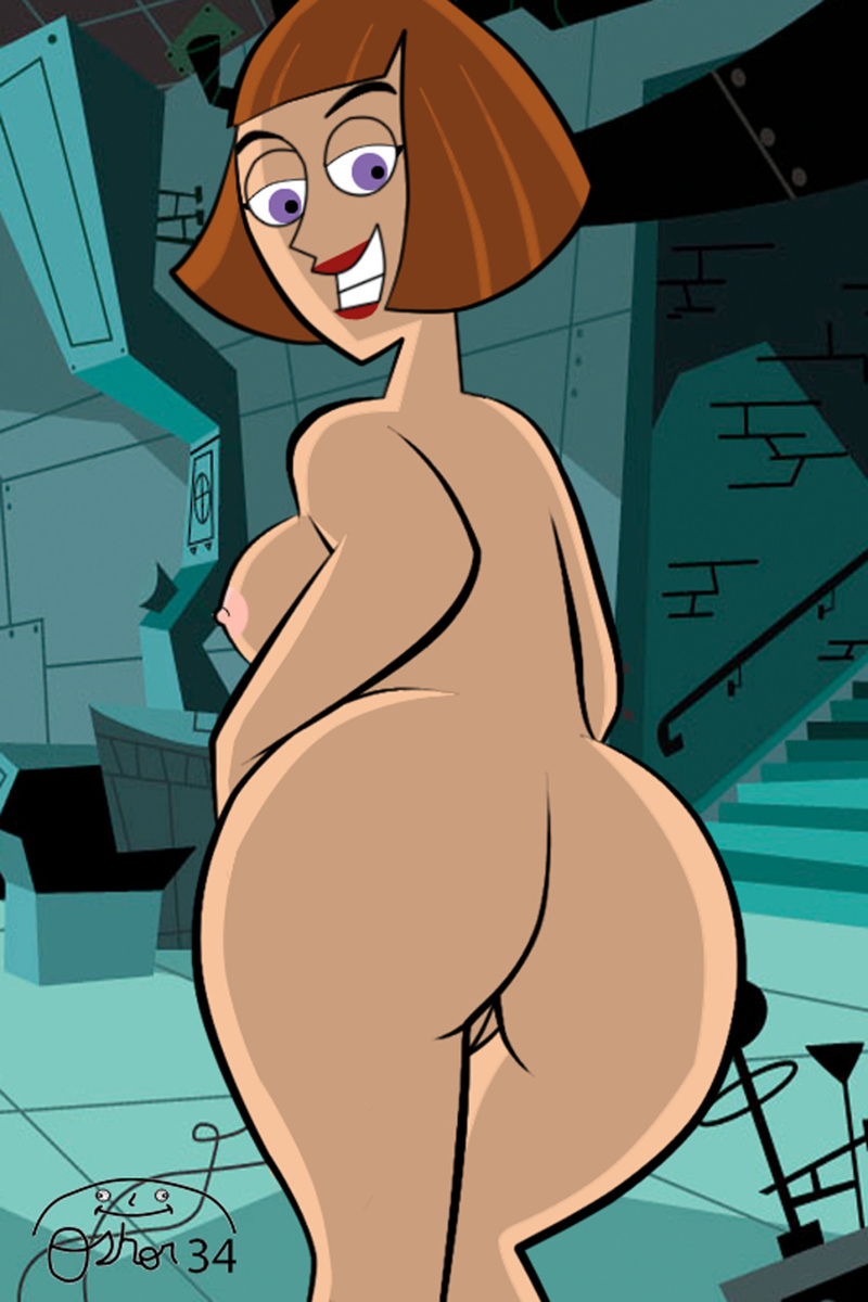 Absolutely naked Madeline Fenton posing for all admirers of her giant butt!