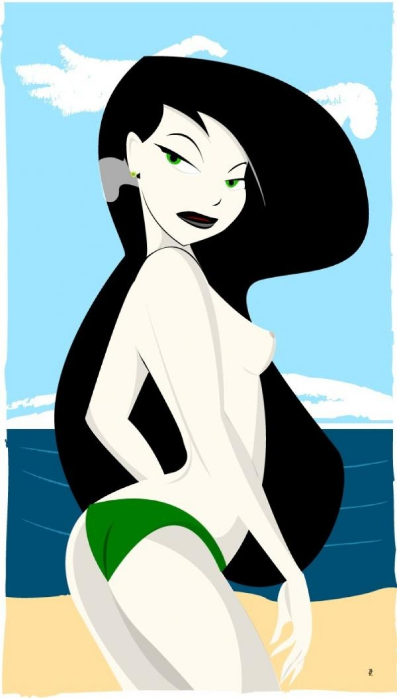 Half nude woman Shego relieving on nude beach